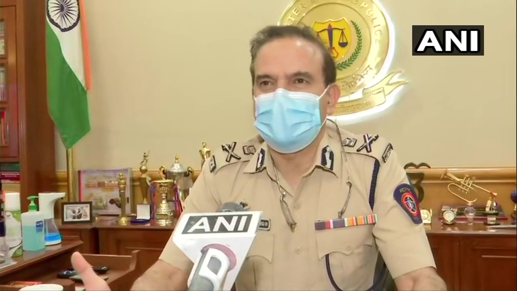 #COVID19 cases in Mumbai are coming under control after a lot of hard work, therefore precautionary measures are being taken. Anybody who travels by air excluding those who will return in a fixed time period, have to undergo home-quarantine necessarily: Mumbai Police Commissioner