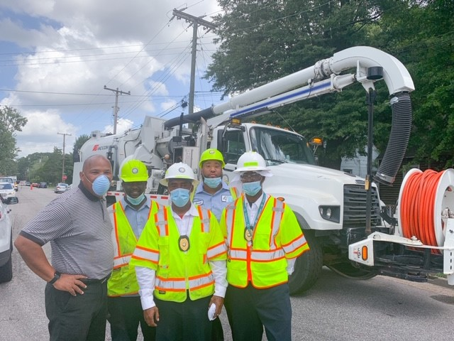 Crews were out today clearing drains in preparation for the impending rainfall. Catch the full story tonight with @WayneCovilCBS6   As part of your storm prep, sign up for emergency text and/or email alerts from the City:   #petersburgva #iampetersburg