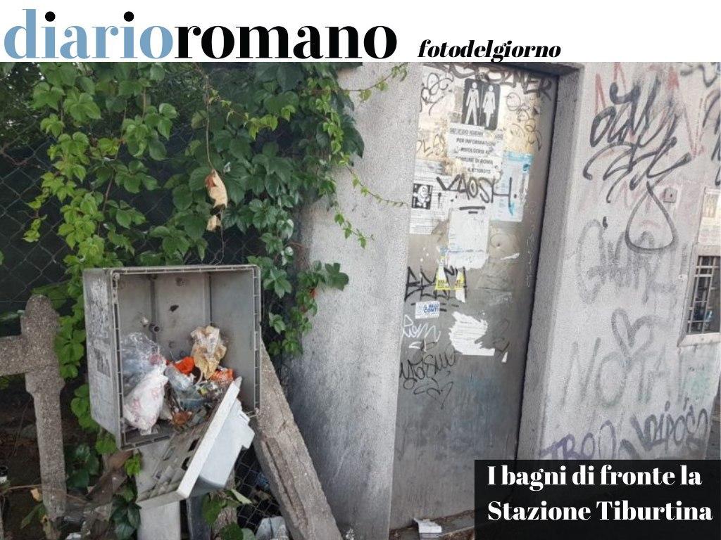 test Twitter Media - La puzza e l'abbandono probabilmente sono voluti: così chi arriva a Roma capisce subito che questa non è una città come le altre. . #Roma #fotodelgiorno 📸 https://t.co/z0M8ABrPuM