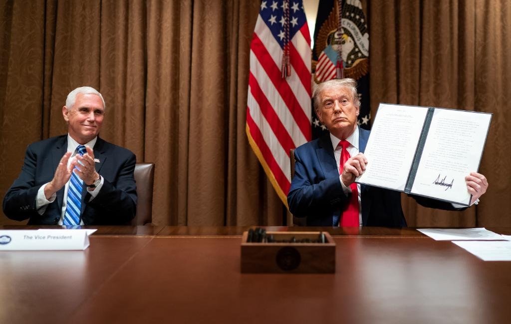 President @realDonaldTrump's new executive order combats the misuse of H-1B visas—which have been exploited to replace qualified U.S. workers with lower-cost foreign ones—and directs all federal agencies to focus on hiring Americans.  1600 Daily: