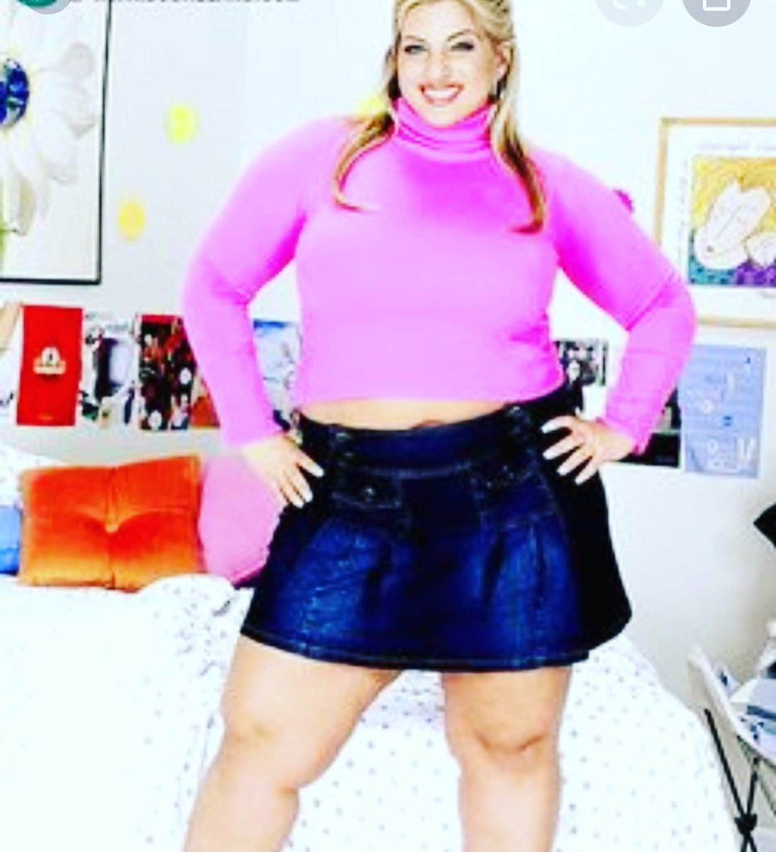 #memorymonday You're too fat they said you'll never make it they said you don't look like a young blonde skinny schoolgirl they said You got a big nose they said well look at me making it and shit 💁♀️🖕🖕