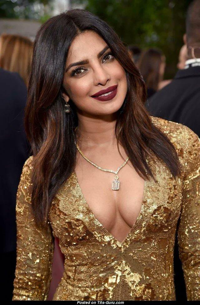 Priyanka Chopra 👍😀🧐