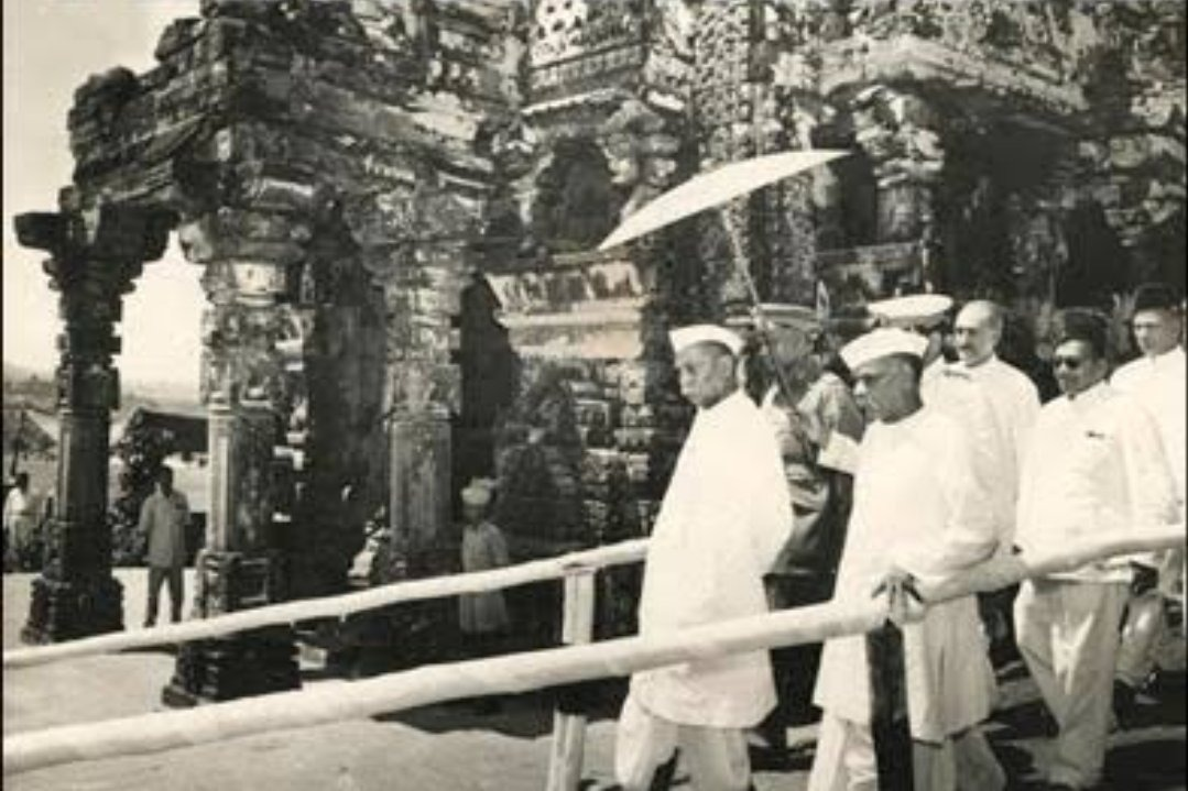 Nehru had blacked out Prasad ji's speech on All India Radio which he had delivered in the ceremony of Somnath temple  Now the Ayodhya Ceremony will be live on Doordarshan.  Thanks to PM @narendramodi JI #ModiDumpsFakeSecularism