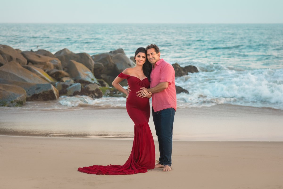 Absolutely 👏 STUNNING 👏 maternity photoshoot with @DrPaulNassif and his gorgeous wife Brittany 📸: Oxana Alex