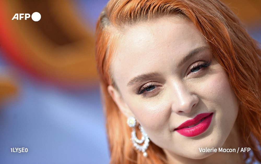 """Swedish singer Zara Larsson announced Tuesday that she had ended her collaboration with China's Huawei to promote its smartphones, saying China """"is not a nice state"""""""