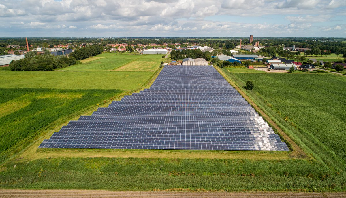 test Twitter Media - Zonnepark Aa-stroom in Oude Pekela levert sinds vorig jaar duurzame energie. ⚡️ In totaal zijn er ruim 9.000 panelen geplaatst die jaarlijks genoeg groene stroom opwekken voor ruim 935 huishoudens. Meer weten over het project: https://t.co/4ECC0tdy4H https://t.co/vncxo25dSt