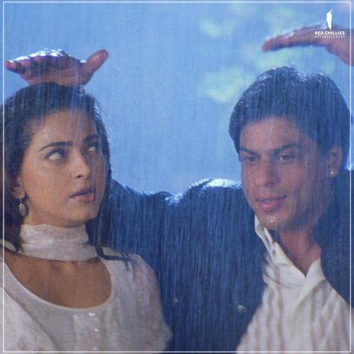 Ria: Aw, look at him! Also Ria: Ajay, we need an umbrella! 🌧️❤️  #MumbaiRains