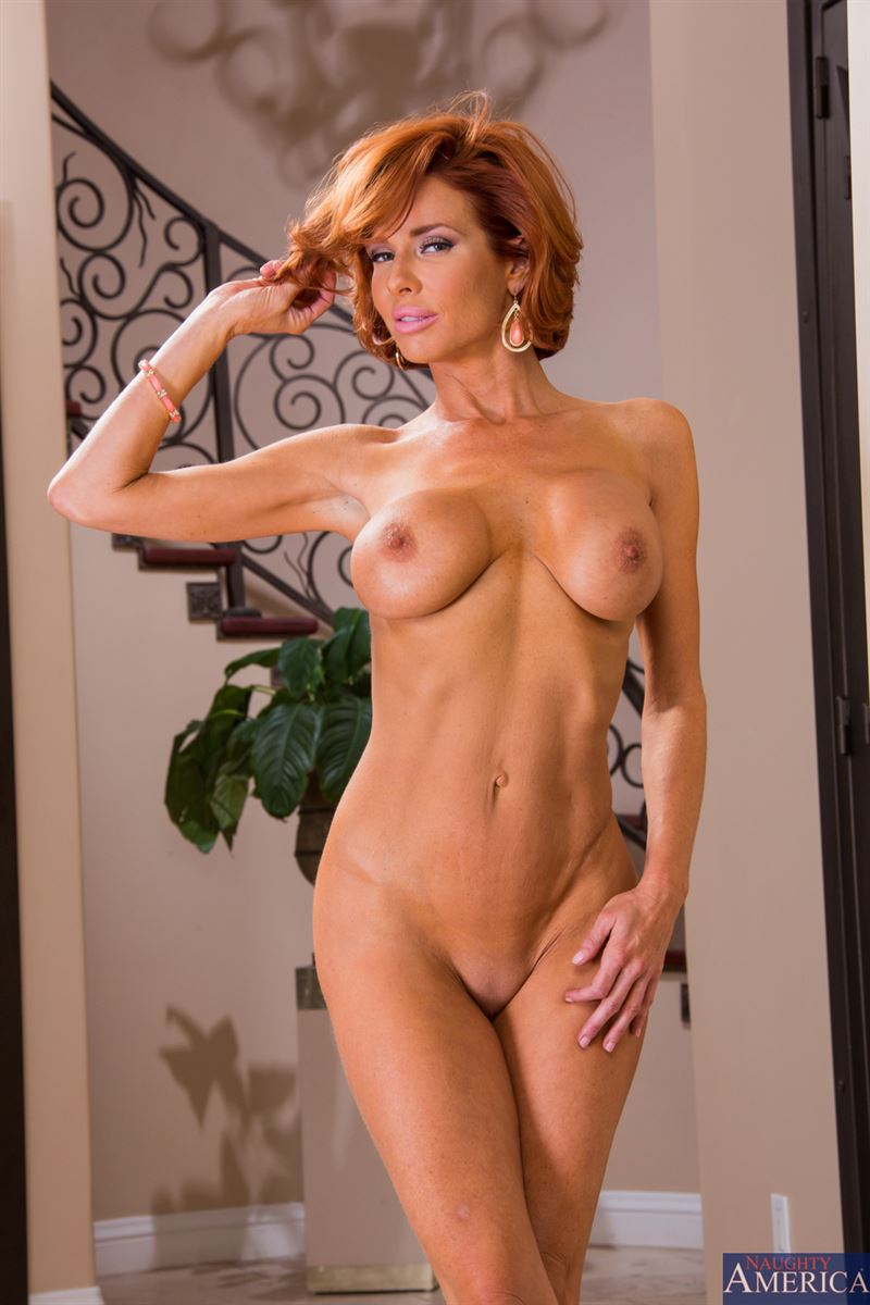 Sexy @VeronicaAvluvXX 🔥🔥🔥 amazing woman!