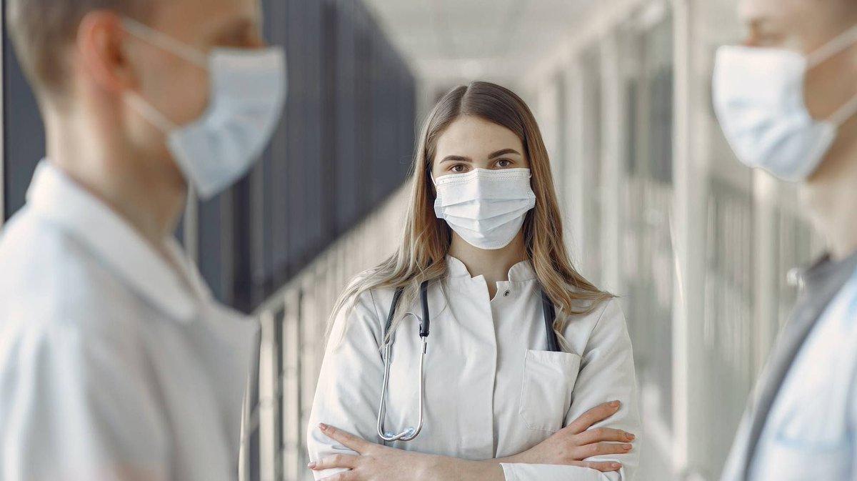 test Twitter Media - 'Onverantwoord om artsen en verpleegkundigen te laten werken bij een tweede coronagolf'   Mondmaskers, desinfectiemiddel en meer: https://t.co/QmNCIw4DQR @HuisartsVandaag #Huisartsvandaag #verpleegkundigen #artsen #coronagolf #corona #COVID19 #COVID19NL #medischegroothandel https://t.co/vGgTdeuqzm