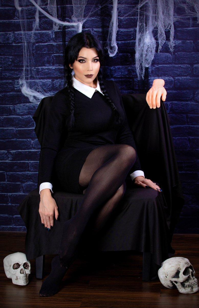 Happy Wednesday (Addams) 🖤