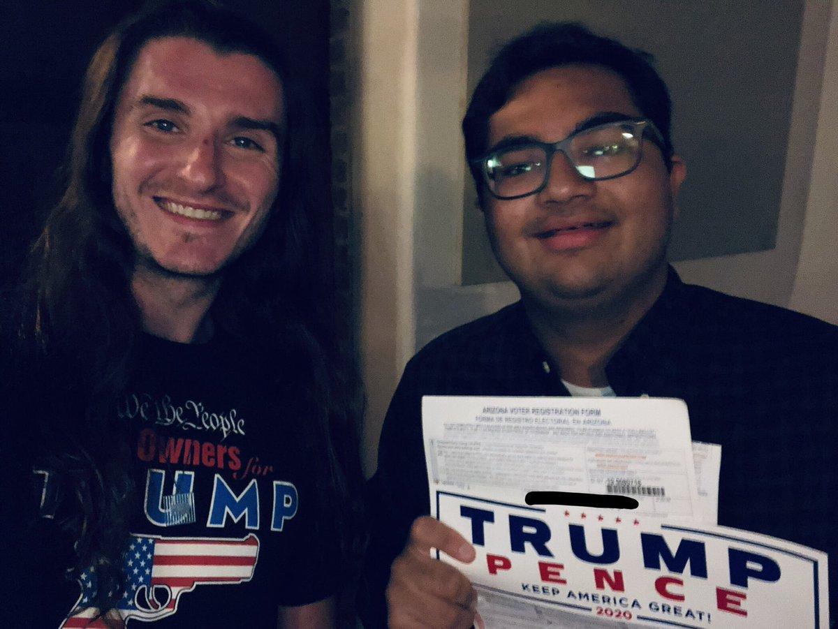 Registered a voter!   +1 for @realDonaldTrump in Arizona  Gosh, I love registering voters.