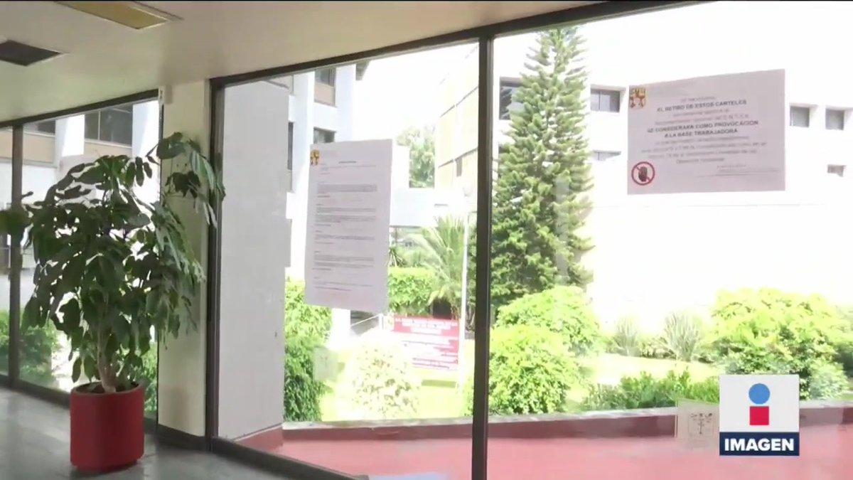 El presidente @LopezObrador_ estuvo el fin de semana en el Instituto Nacional de Cardiología, ahí donde los pasillos están llenos de letreros con quejas de los trabajadores. A 5 meses de la pandemia por #COVID19, siguen pidiendo equipo de protección adecuado e insumos nuevos