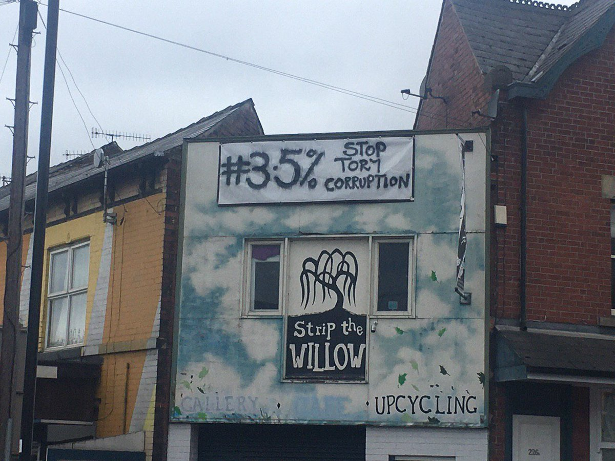 🚨 More Resistance activity reported overnight in #Sheffield... ⬇️😮 The beshitted Cummings/Johnson regime is gradually losing its fetid grip on the country... 😖✊🌹🇪🇺 #3Point5Percent #ToryCorruption #resist #revolt #remove