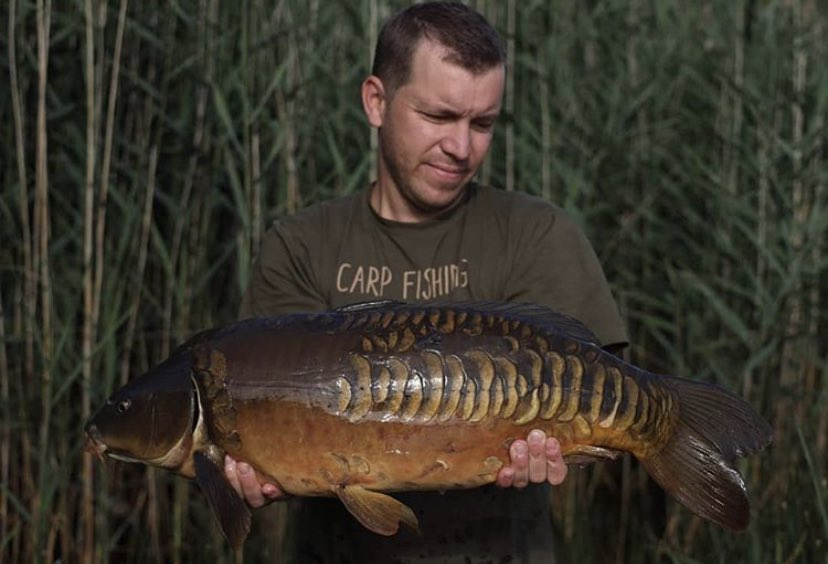 Big shout to Roel Bocken for this Lovely dark brown scaly 💪🏻🎣   #Carp #CarpFishing #Fishing