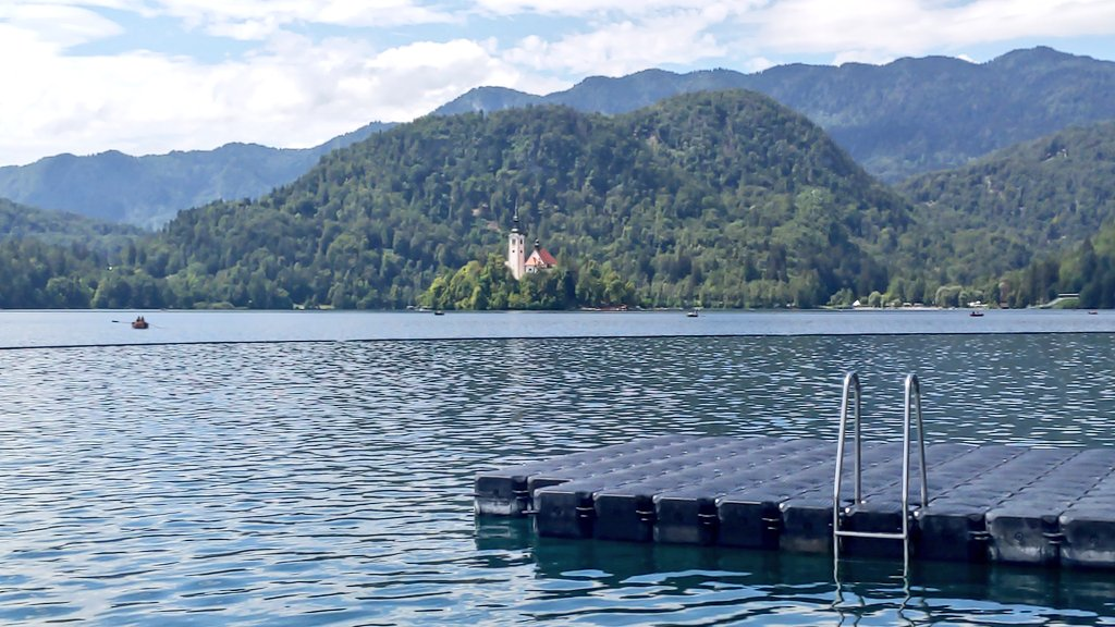 test Twitter Media - Good evening, from Lake Bled. https://t.co/mjxhW2H1xx
