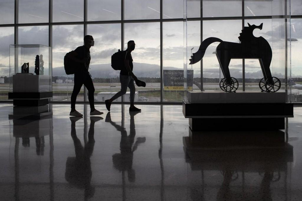 U.S. lifts global health coronavirus travel advisory