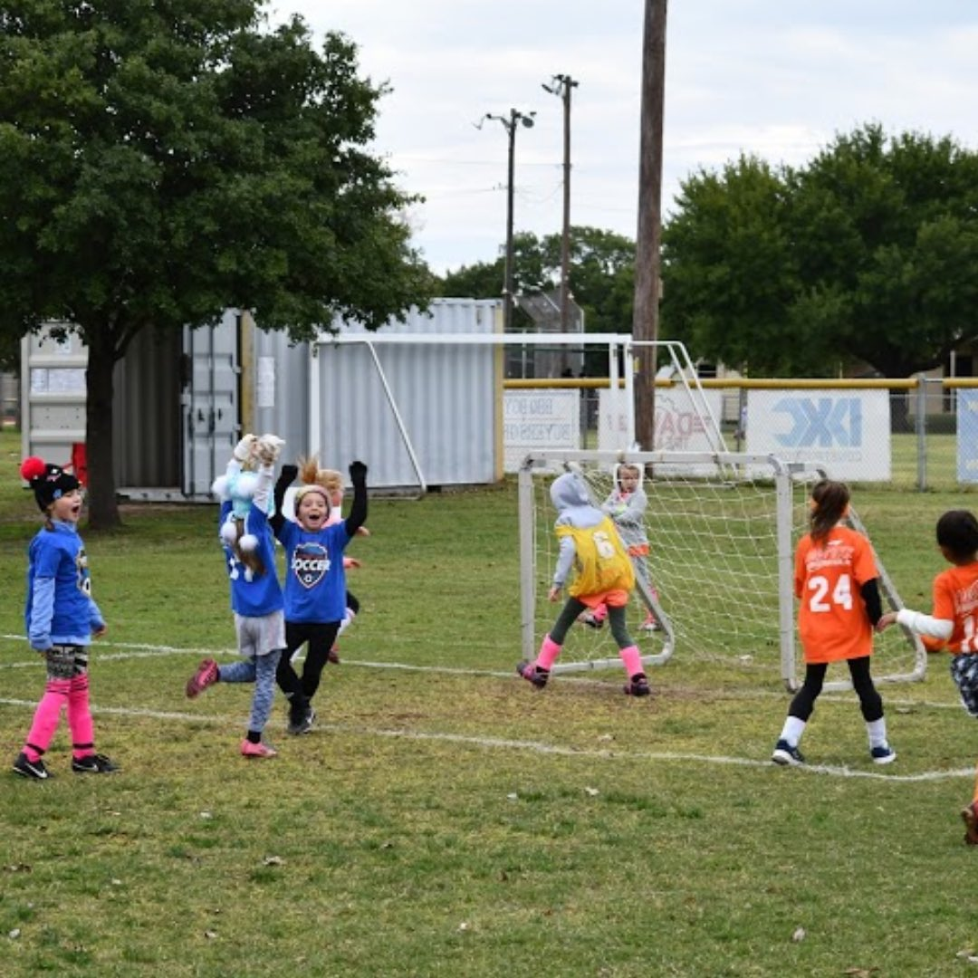 Early registration ends Thursday! 🚨 Sign up now for our fall youth soccer league.  👦 👧 Ages: 3-13 🗓️ Fall league: September 12-October 31 💲 $50 Resident | $60 Nonresident A late fee of $10 will apply from August 14-24.  👉 Register: .