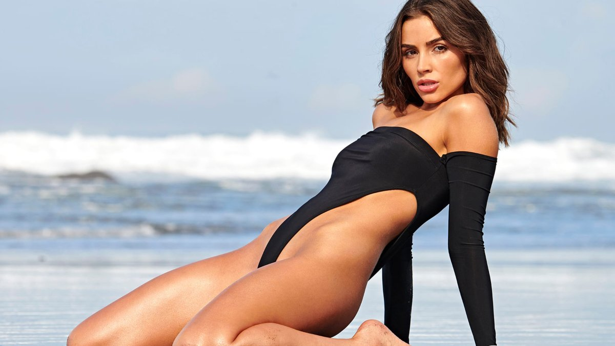 Need a recipe to cure those Sunday Scaries? Try Olivia Culpo's Honey Butter Cake!