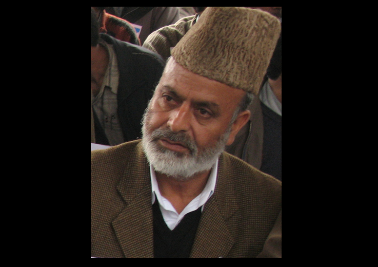 In Indian Illegally Occupied Jammu and Kashmir (#IIOJK), the All Parties Hurriyat Conference (#APHC) has called for complete shutdown tomorrow to commemorate martyrdom of senior leader, Sheikh Abdul Aziz