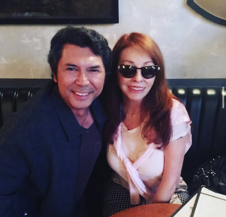 Have you ever come across a picture of 2 of your favorites hanging out with each other? Because I did 😍  @LouDPhillips @TheRealElvira