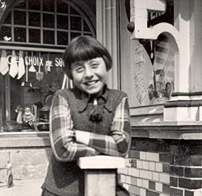 10 August 1929 | Belgian Jewish girl Mariette Peretz was born in Antwerp.  In 1942 she was deported to #Auschwitz. She did not survive.