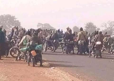 The Now Event #Right Now Thousands Of Armed Bandits Have Taken Over Kurfi Town In Katsina State ...  Credit: Labarun Siyasa....  Me. #Jihad Is 📂Loading......   🇦🇬BIAFRA IS OUR ONLY HOPE.