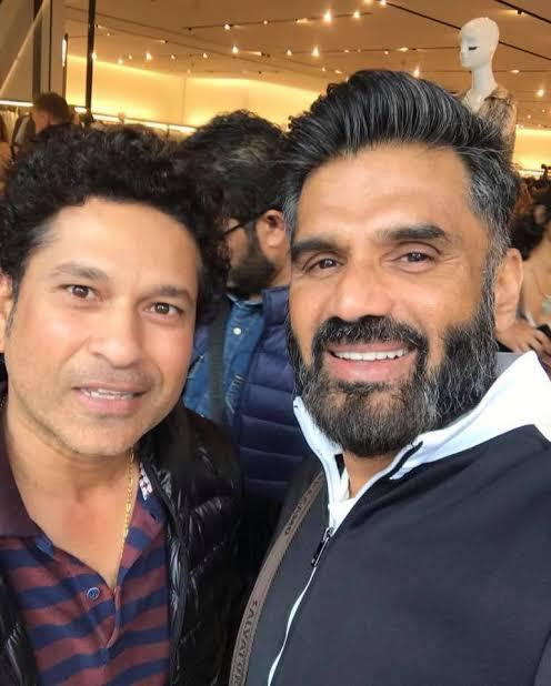 Happy Birthday Suniel!  Have always enjoyed watching your movies especially Hera Pheri. Wishing you a healthy and safe year ahead.