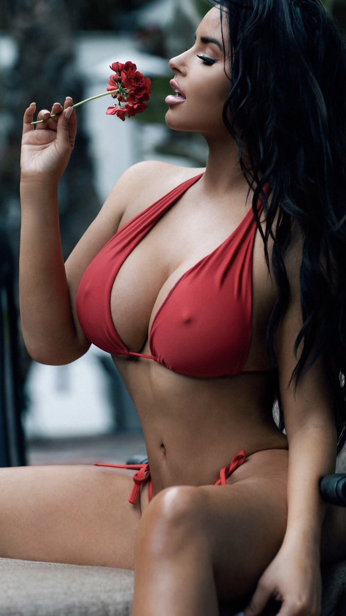 Let's start this Tuesday with the one and only Abigail Ratchford  @AbiRatchford