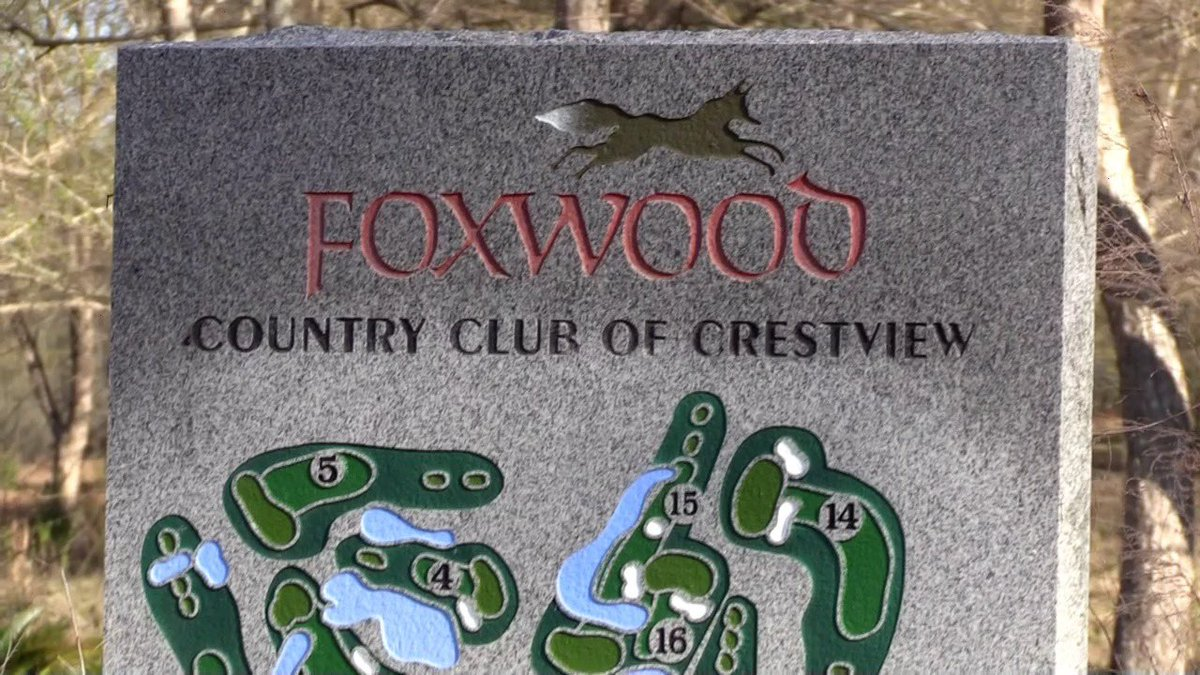 There will be a public meeting to discuss the future of the Foxwood Country Club property recently purchased by the city. The meeting will be held at the Crestview Community Center on Thursday, August 20 at 6 pm. The community center is located at 1446 Commerce Drive.