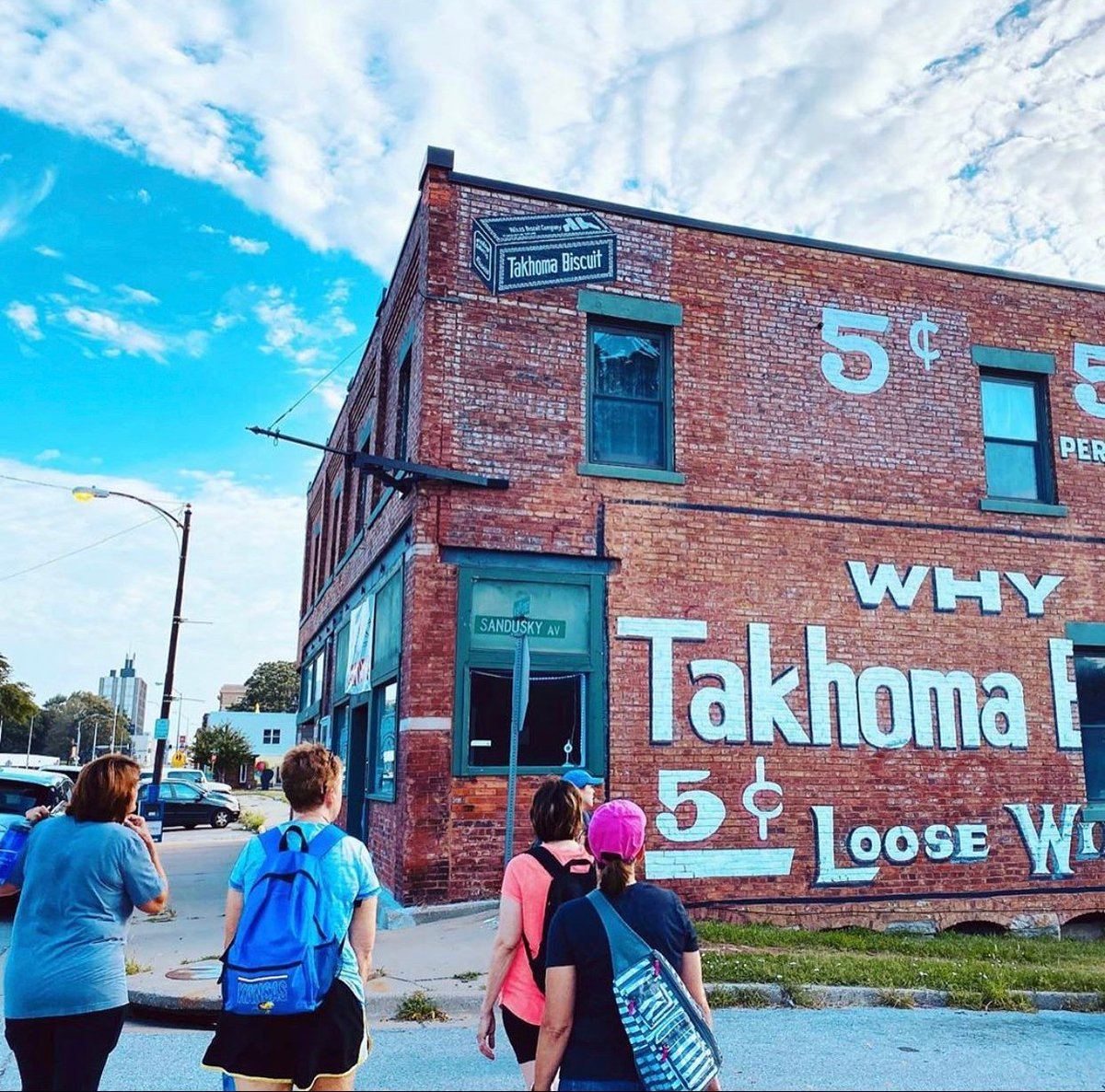 Urban Hikes Kansas City has been offering 5-6 mile walks around the downtown KC since 2019. More recently, they've added hikes around the Strawberry Hill neighborhood and downtown #KansasCityKS  too! Find out how you can join in on a hike here: