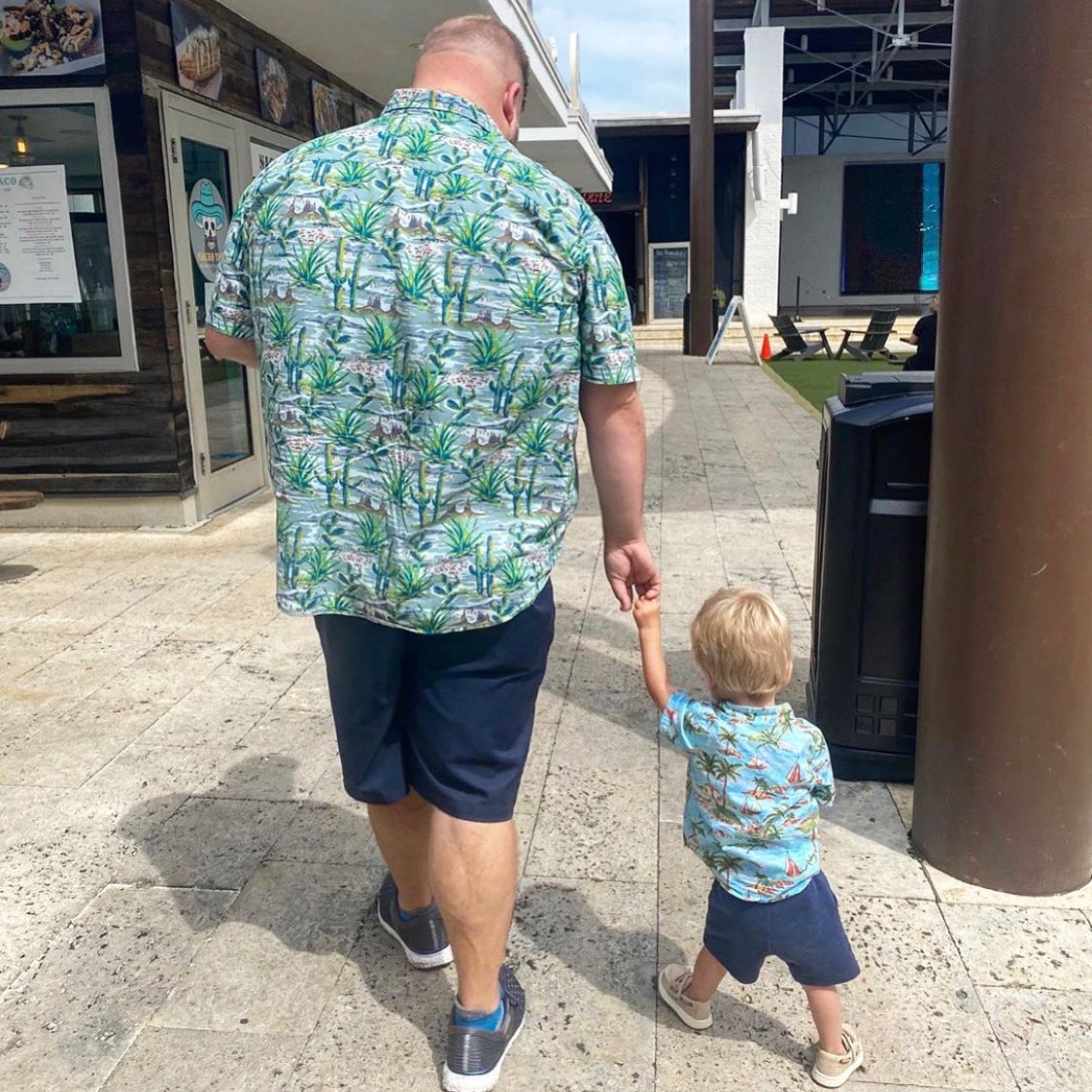 #Twinning with Dad 😍   The Hub is an oasis where the everyday focus is #QualityTime with family & friends  creating memories together❤️  • • 📸: @timgerst #family #friends #festival #hub30a #30a #community #familyfun #entertainment #supportlocal #livemusic #hubmemories