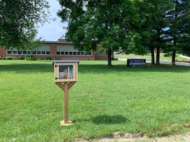 Marietta has a new Little Free Library, the first one on Harmar Hill. It is located in the schoolyard of Veritas Classical Academy at 115 Victory Place ->>   - -  #mymarietta #littlefreelibrary #exploremarietta #liveloveMOV