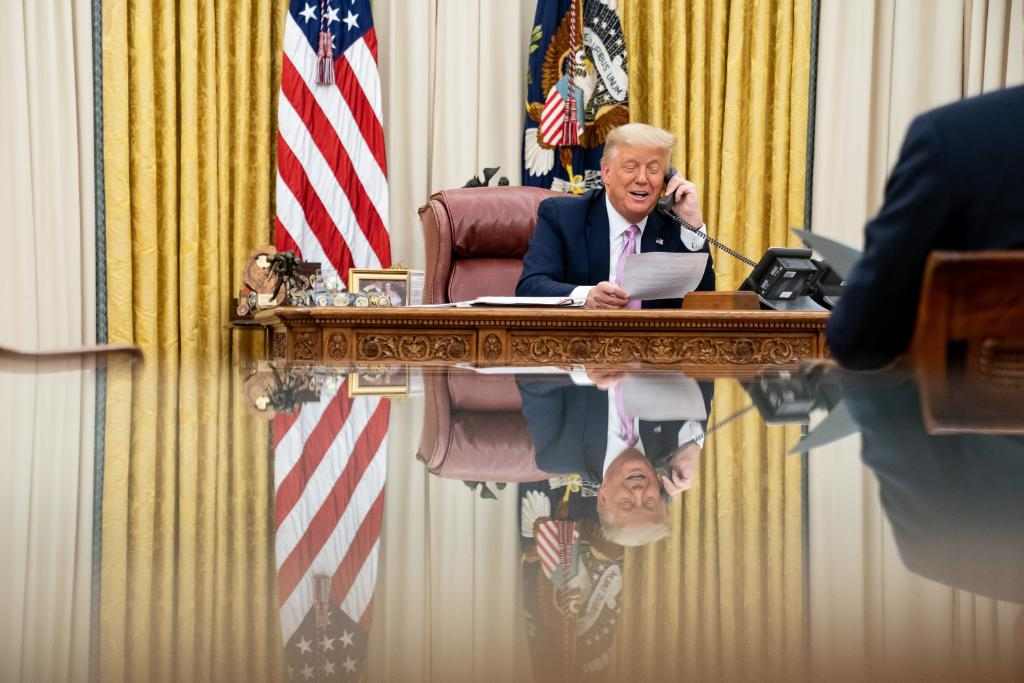 There is no greater ally to our nation's sheriffs and law enforcement officers than President @realDonaldTrump!  And on a call today with sheriffs from across our country, the President reiterated his Administration will ALWAYS have their back!  🇺🇸 🇺🇸 🇺🇸
