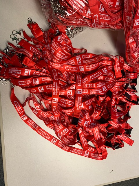 We'd like to send a HUGE THANK YOU to Ms. Barb Bergin from Crimeline/Speakout Hotline for their fantastic donation of thousands of lanyards for our SCPS student I.D. project!  We greatly appreciate it! @CrimelineFL @SeminoleSO