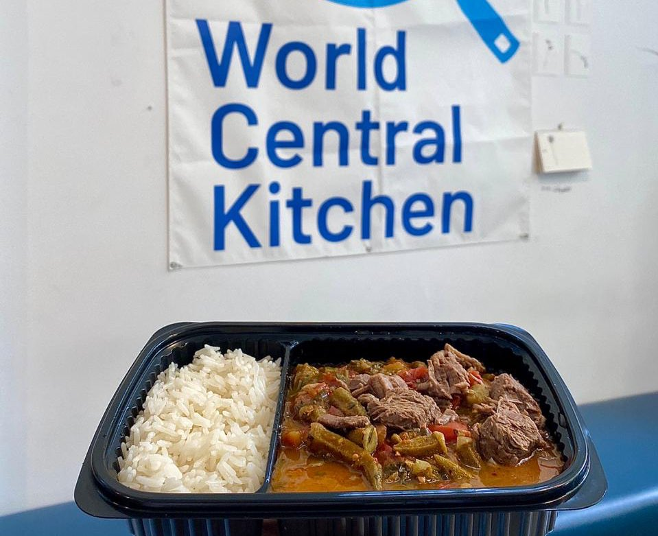 test Twitter Media - Fresh from one of our 9 kitchens in Beirut, Lebanon 🇱🇧 Bamieh bil Lahme with rice! These nourishing meals went to hospitals, first responders, volunteers helping to clean up, & residents affected by the blast. Tomorrow, we will serve 10,000 meals to 47 locations. #ChefsForBeirut https://t.co/WaaQHrWPSG