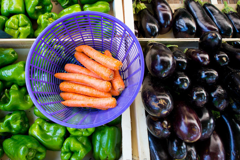 South Side Farmers Market - A project to help address food insecurity and community health on the south end of Peoria is entering its next phase. The market kicks off August 19. It will be every Wednesday for eight weeks, from 2 to 6 p.m.   More at WCBU -