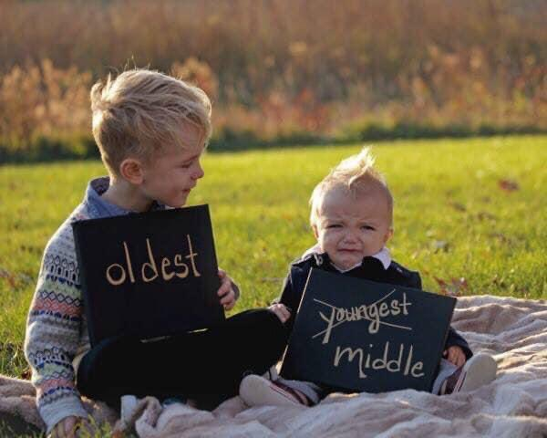 Happy #MiddleChildDay! Are you a #middlechild? Drop a 👍 in the comments ⬇️  #middlechildsday