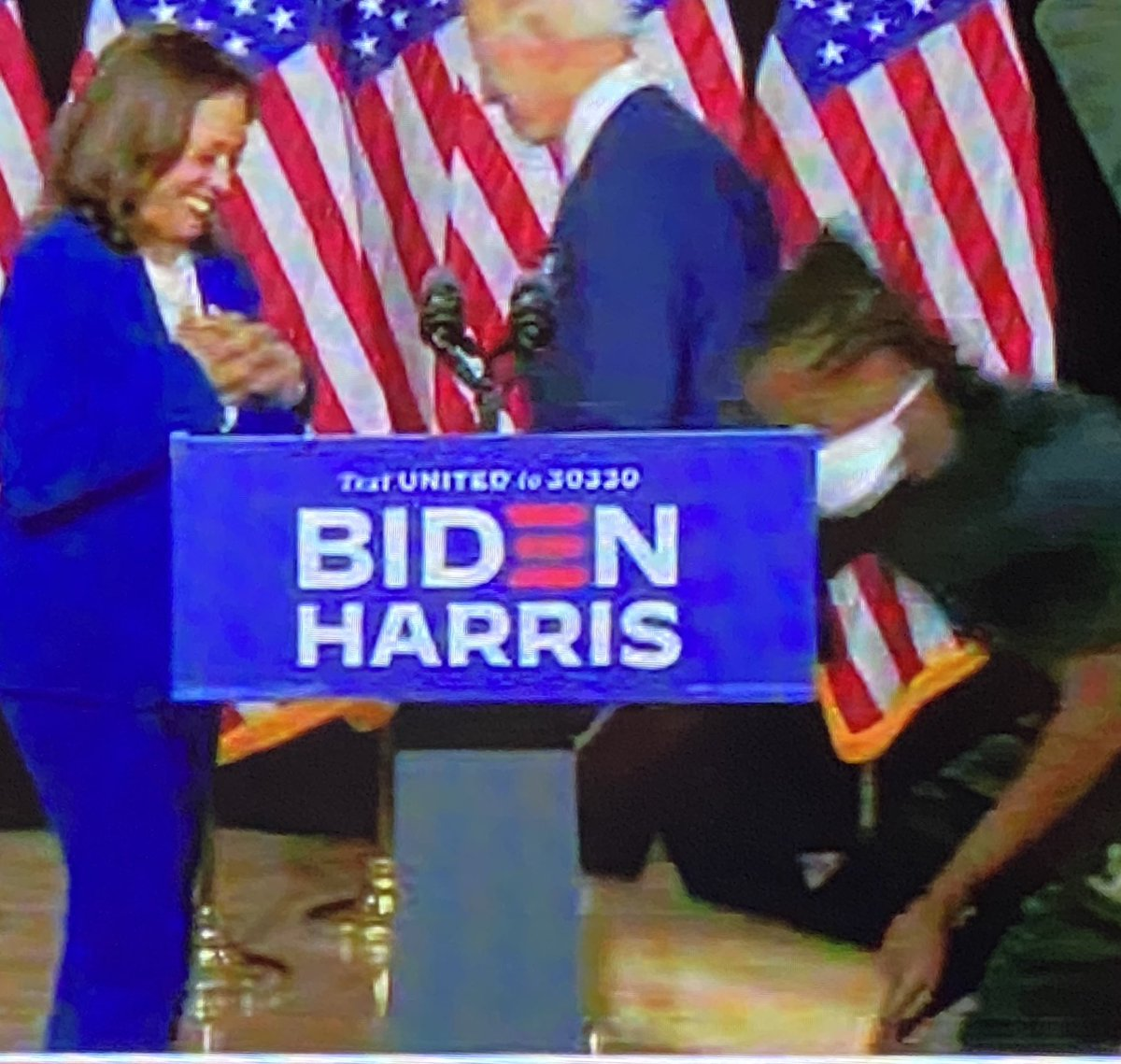 Stage hand brings Harris a box to stand on to give her acceptance speech. Hilarious😂 #Trump #maga #gop #potus #dems #seanhannity #tuckercarlsontonight #ingrahamangle #realDonaldTrump #Trump2020 #wattersworld
