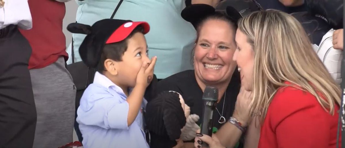 It's #ThrowBackThursday and we're taking another look at the @cityofpines Kindness Event, where the @makeawishsfla and @browardschools Board Members, elected officials and @RobertwRuncie presented a special wish to a deserving family, watch the story: