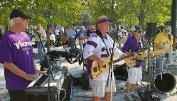 Tonite 7-8pm Joins us free music Central Park Rich & the Resistors