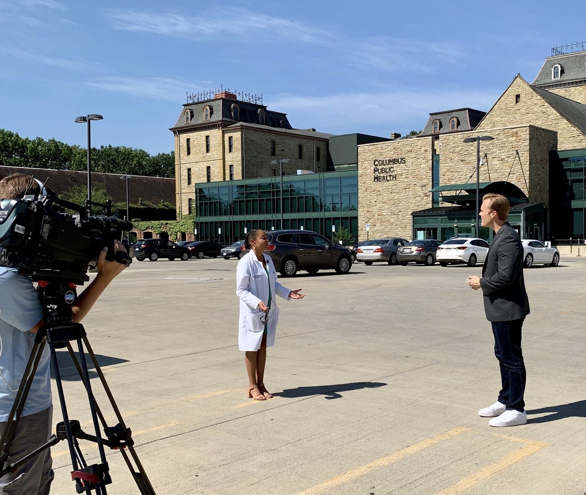 Health Commissioner @DrMRoberts spoke with @CameronFontana today about preventing overdose deaths with naloxone. You can now order free naloxone by mail by visiting