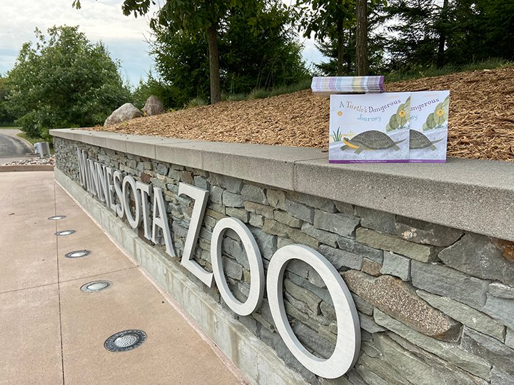 This Friday, August 14, the #MNZoo will be handing out FREE books 📚 and other literacy tools to families during curbside meal pickup at Harding Senior High from 10 a.m. to 12 p.m. (while supplies last).