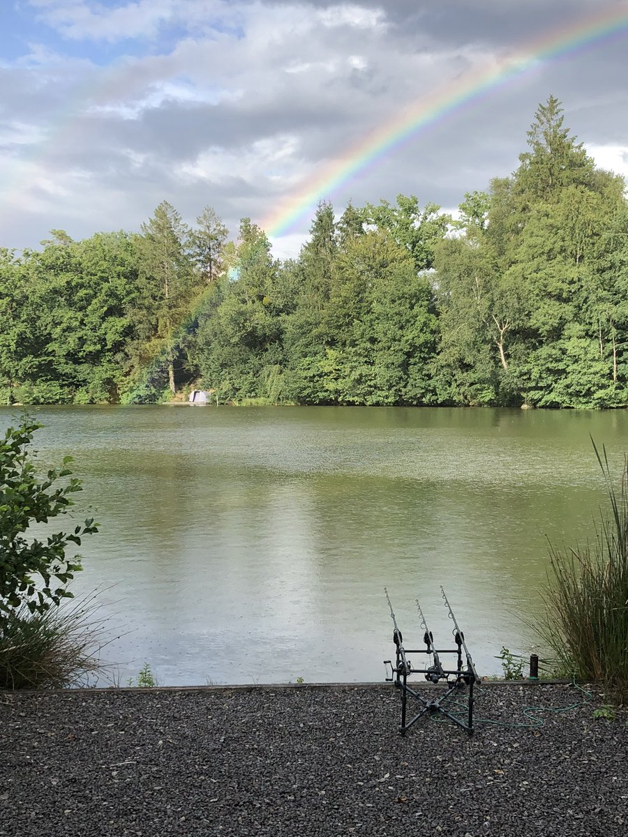 Rainbow actually on the lake. #carpfishing https://t.co/8zJijVUPdV