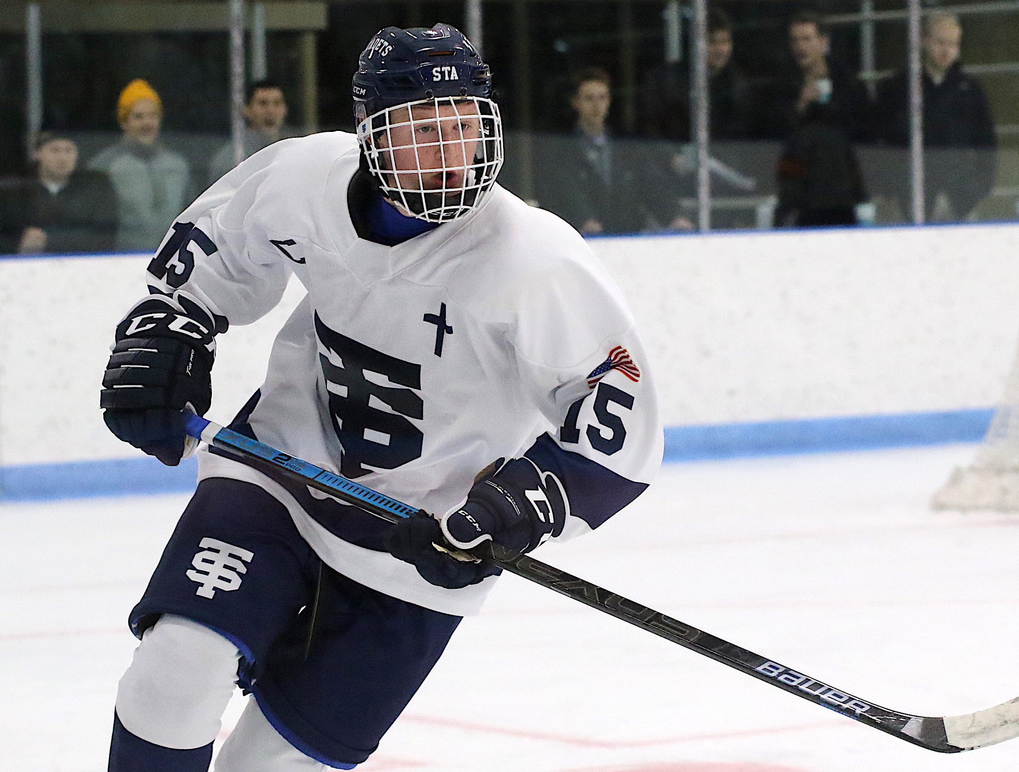 Congrats to Jackson Hallum ('02, St. Thomas Academy) on his commitment to Michigan today. The Wolverines will get one of the fastest players in MN HS hockey whose skill level will give Big Ten defenders  trouble. https://t.co/98Q4ojOJCT