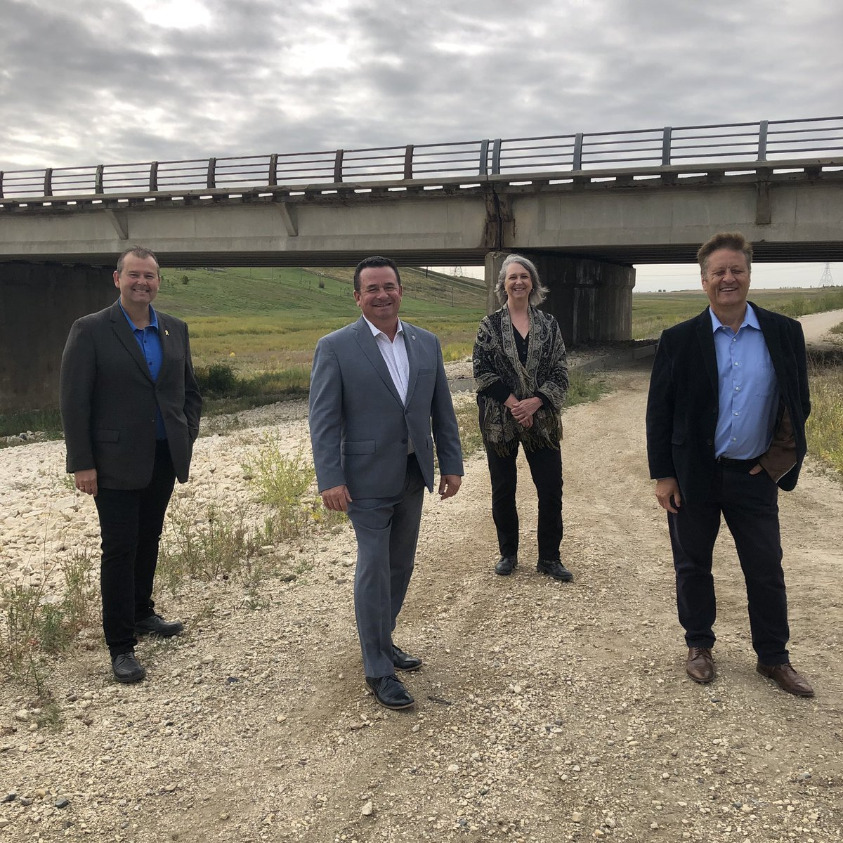 test Twitter Media - Great to be joined by my colleagues Minister Ron Schuler, MLA Wayne Ewasko, and Mayor Shelley Hart in East St. Paul this morning for a great announcement. Our governments' priority is safety and that's why we are moving forward with plans for the reconstruction of PTH 59 bridge. https://t.co/ue2bZaPR7j