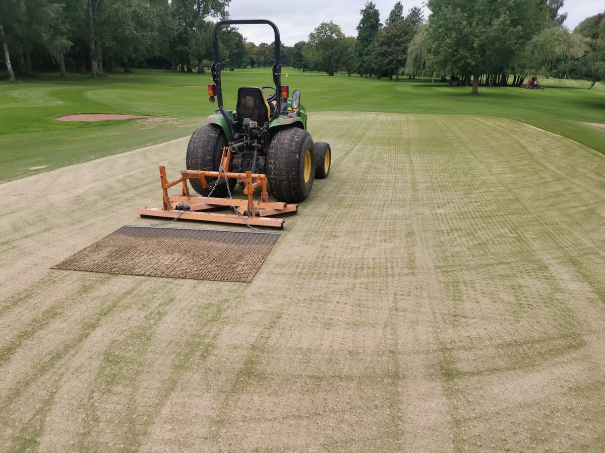 test Twitter Media - Day 1 of greens Reno. Done.  Cored.collectrd.cut. dressed seed.brush.mat.roll and pin back on and green in play.  Another 3 tomoz. @IngestreParkGC @IanDaviesEEEgol @andyb381.  Mowers out on the rest of the course. Great work lads https://t.co/qXseTN9VYQ