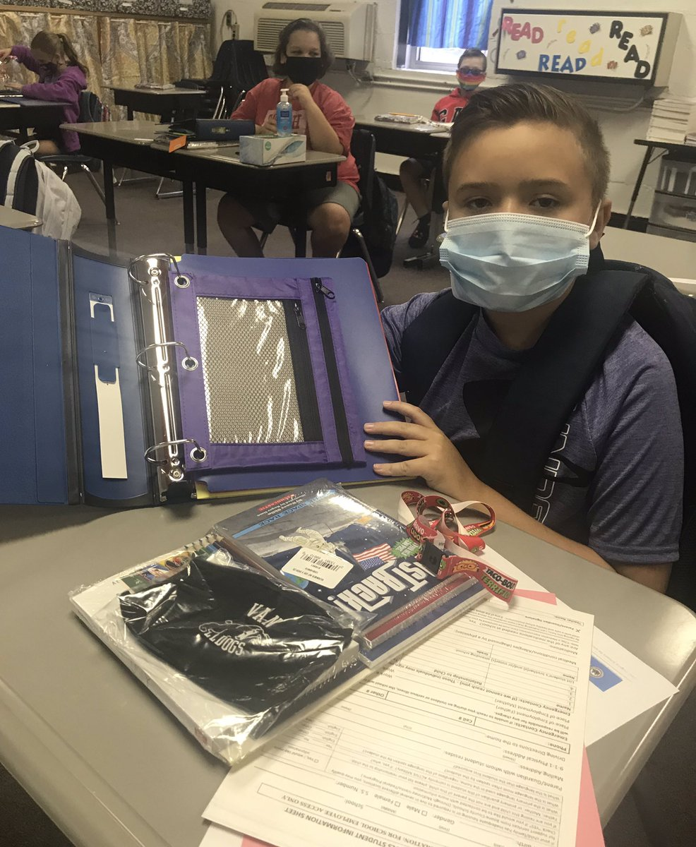 📚Parker Moore, 5th gr. student at Van Elementary, is organizing his new AVID binder with file folders, pencil pouch, & all supplies needed. AVID & WICOR keep you on track! Also a special hello to cooks Barbara Tabor & Melinda Curry taking special care of the Bulldogs ... Yea!🐾