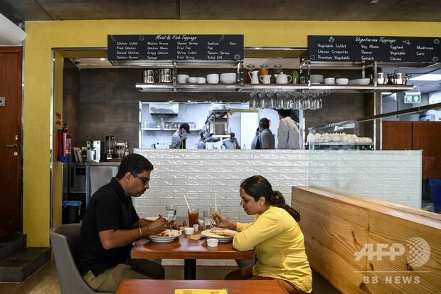test ツイッターメディア - 1000RT:【逆輸入】ココイチがインドに進出 評判上々 https://t.co/SfYuKHbQke  カレーハウスCoCo壱番屋が8月に、インド1号店をオープン。現地では「癖になりそうな味」「もっともっと食べたくなる」と評判は上々だという。 https://t.co/jLA5LTczv1