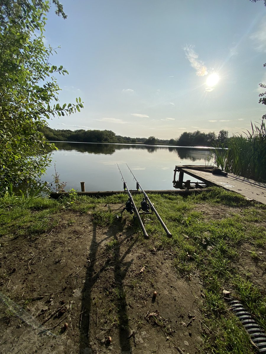 Lovely bright evening the other week before the autumn chill came in #carp #carpfishing #<b>Summer</