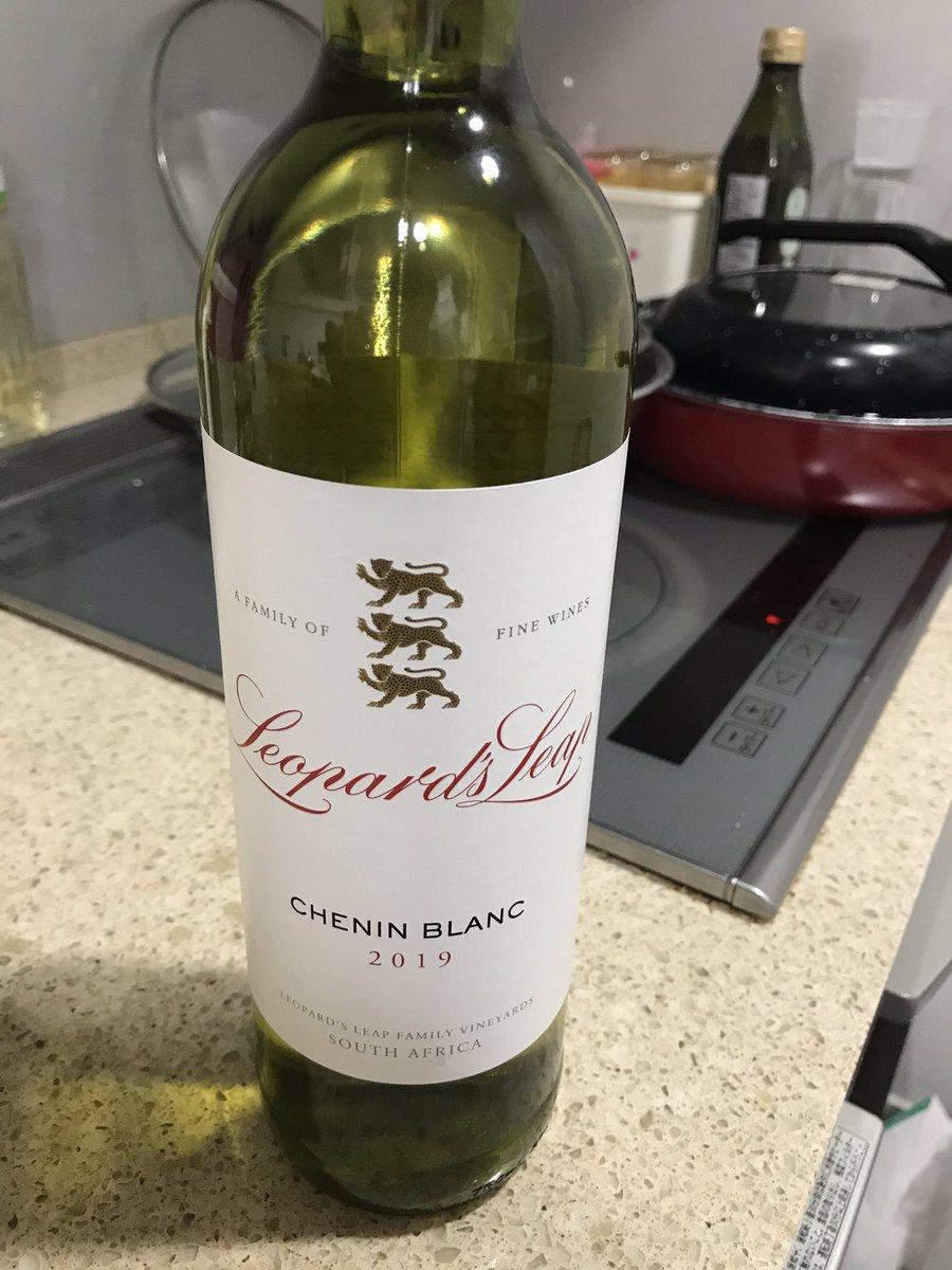 test ツイッターメディア - 練習用ワインをエノテカ銀座シックス店で購入。 南アフリカ、フランシュックのシュナンブランです。あまり手を広げすぎるのもなと思いつつ。。。 https://t.co/OrNG67iRZa